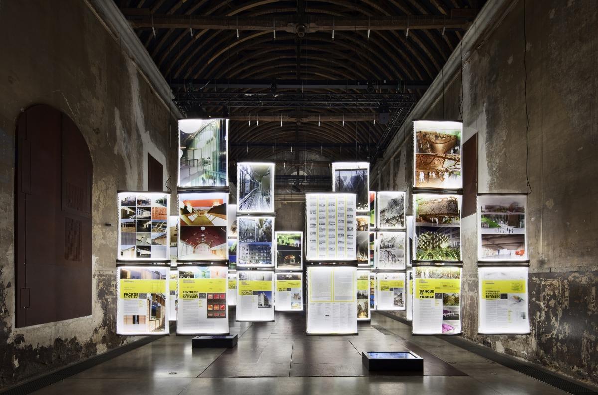 Rh architecture accueil for Exposition maison